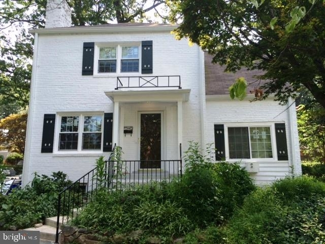 3 Bedrooms, Bethesda Rental in Washington, DC for $4,000 - Photo 1