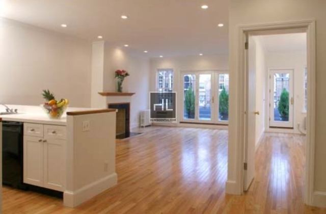 3 Bedrooms, Yorkville Rental in NYC for $7,295 - Photo 1
