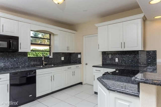 3 Bedrooms, North Margate Rental in Miami, FL for $2,325 - Photo 2