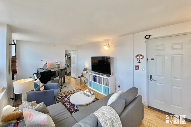 2 Bedrooms, Bushwick Rental in NYC for $2,888 - Photo 2