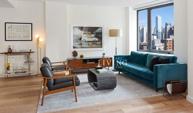 2 Bedrooms, Hell's Kitchen Rental in NYC for $6,249 - Photo 1