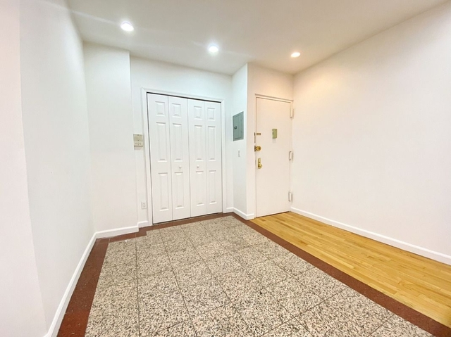 3 Bedrooms, East Village Rental in NYC for $3,800 - Photo 2