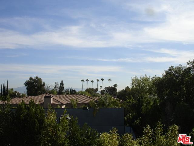 2 Bedrooms, Encino Rental in Los Angeles, CA for $2,050 - Photo 1