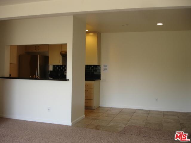2 Bedrooms, Encino Rental in Los Angeles, CA for $2,050 - Photo 2