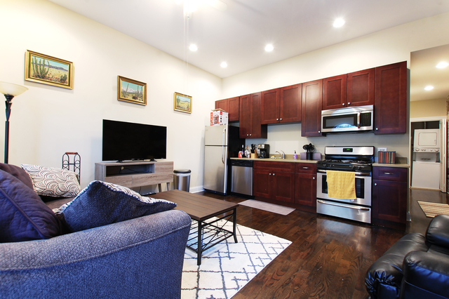 2 Bedrooms, Park West Rental in Chicago, IL for $2,090 - Photo 2