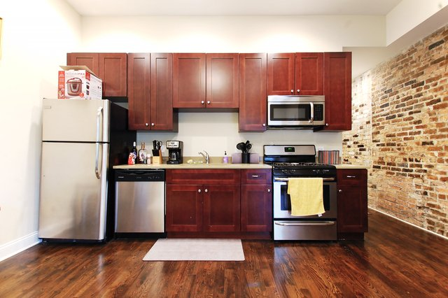 2 Bedrooms, Park West Rental in Chicago, IL for $2,090 - Photo 1
