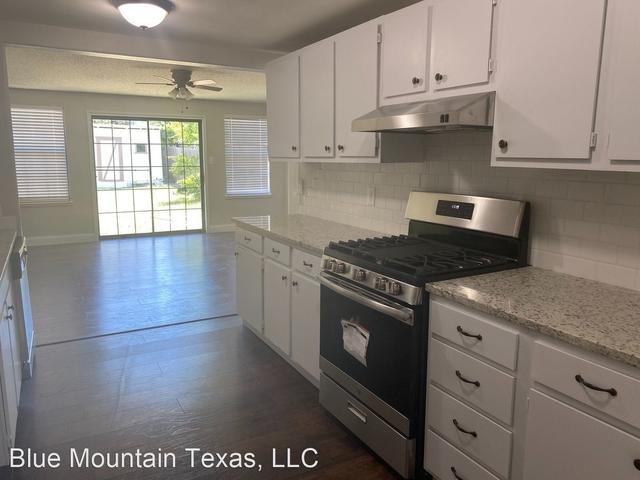 3 Bedrooms, Monticello Rental in Dallas for $1,800 - Photo 2
