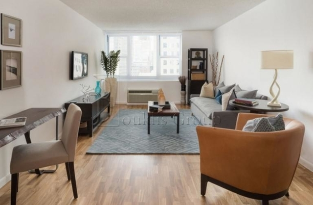 1 Bedroom, Battery Park City Rental in NYC for $4,015 - Photo 2