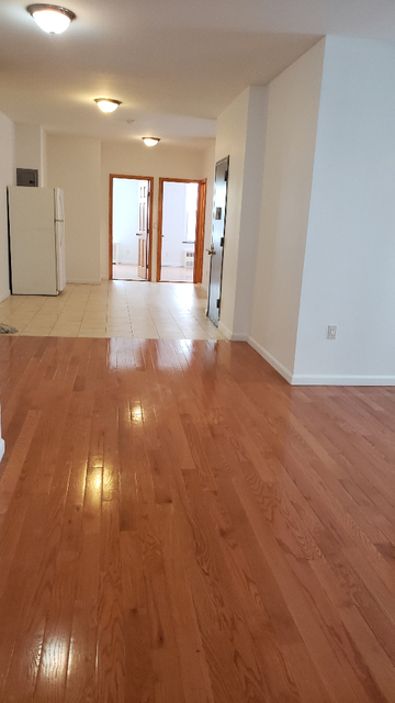 3 Bedrooms, Sheepshead Bay Rental in NYC for $2,500 - Photo 2