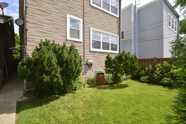 2 Bedrooms, Horner Park Rental in Chicago, IL for $1,650 - Photo 2