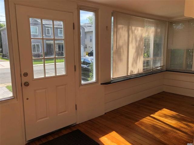 4 Bedrooms, Cedarhurst Rental in Long Island, NY for $4,300 - Photo 2