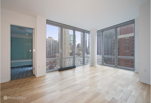 1 Bedroom, Hell's Kitchen Rental in NYC for $4,400 - Photo 2