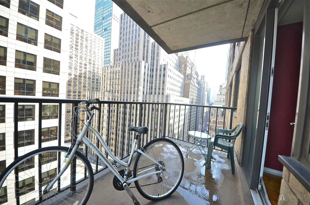 2 Bedrooms, Theater District Rental in NYC for $4,795 - Photo 2