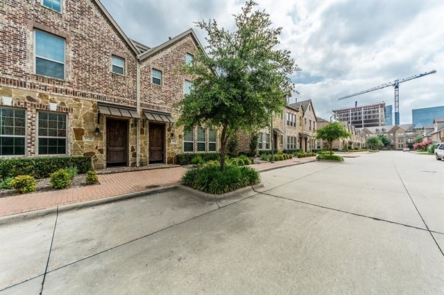 3 Bedrooms, The Town Homes at Legacy Town Center Rental in Dallas for $4,750 - Photo 1