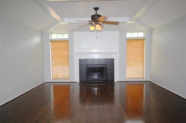 3 Bedrooms, The Pinery Rental in Dallas for $2,295 - Photo 2