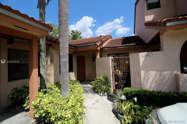 3 Bedrooms, Villa Homes at The Moors Rental in Miami, FL for $2,100 - Photo 1