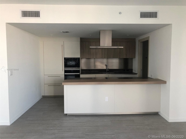 2 Bedrooms, Miami Financial District Rental in Miami, FL for $4,000 - Photo 2