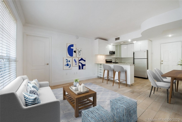 2 Bedrooms, Northeast Coconut Grove Rental in Miami, FL for $2,000 - Photo 1
