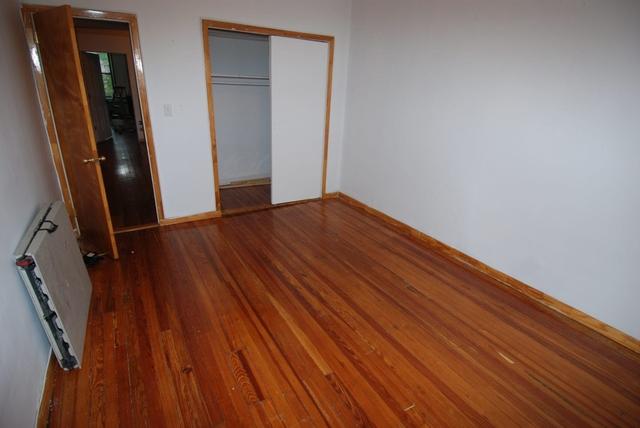 3 Bedrooms, Astoria Rental in NYC for $2,500 - Photo 2