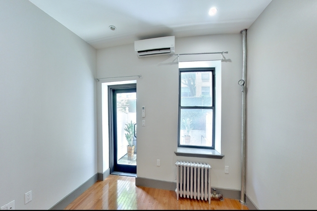 2 Bedrooms, East Village Rental in NYC for $3,000 - Photo 2
