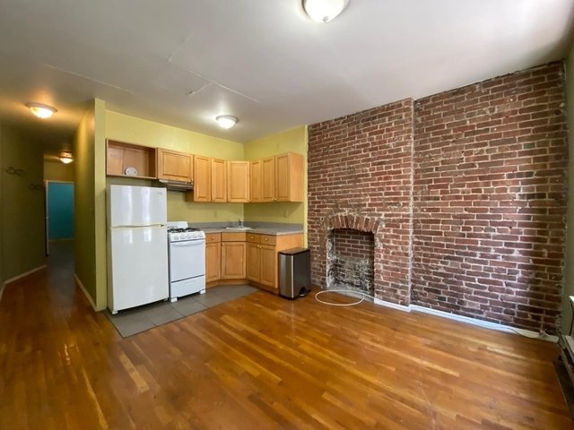 2 Bedrooms, Hell's Kitchen Rental in NYC for $2,495 - Photo 2
