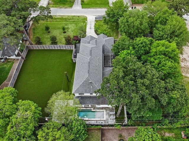 5 Bedrooms, Garden Oaks Rental in Houston for $8,450 - Photo 2