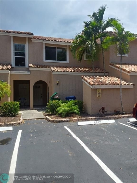 2 Bedrooms, Village Green Rental in Miami, FL for $1,675 - Photo 1