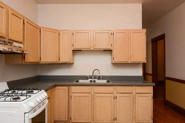 2 Bedrooms, North Center Rental in Chicago, IL for $1,850 - Photo 2