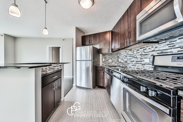2 Bedrooms, Gold Coast Rental in Chicago, IL for $3,830 - Photo 1