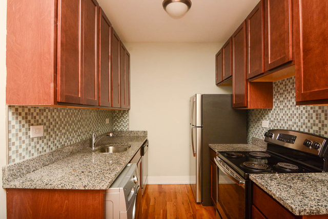 2 Bedrooms, Park West Rental in Chicago, IL for $1,850 - Photo 2