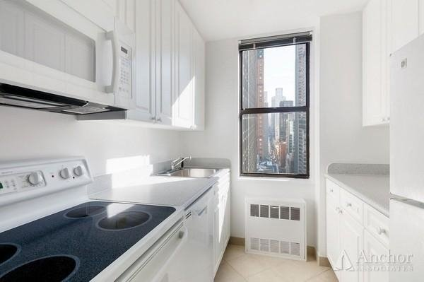 1 Bedroom, Theater District Rental in NYC for $3,325 - Photo 1