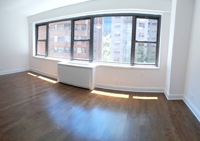 Studio, Sutton Place Rental in NYC for $2,720 - Photo 2