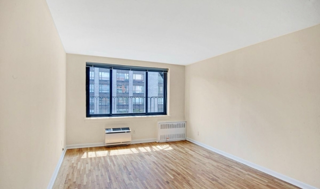 Studio, Yorkville Rental in NYC for $2,062 - Photo 1