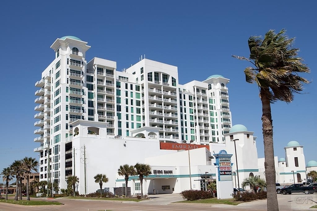 2 Bedrooms, Emerald by The Sea Rental in Houston for $2,500 - Photo 1