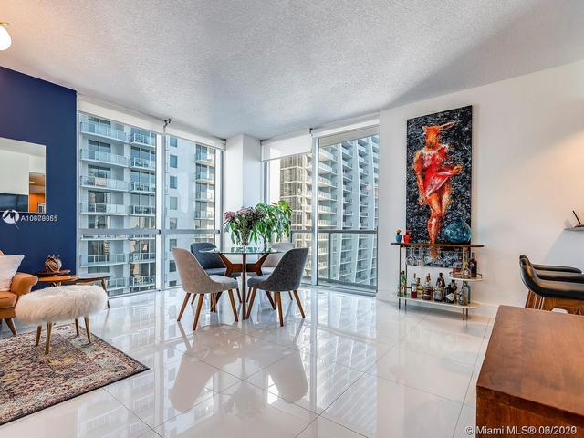 2 Bedrooms, Miami Financial District Rental in Miami, FL for $2,700 - Photo 2
