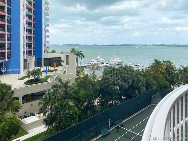 3 Bedrooms, Millionaire's Row Rental in Miami, FL for $3,200 - Photo 2