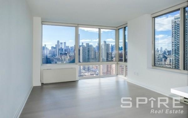 2 Bedrooms, Yorkville Rental in NYC for $6,899 - Photo 1
