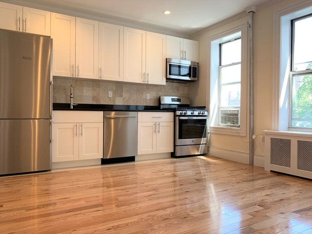 2 Bedrooms, West Village Rental in NYC for $3,995 - Photo 1