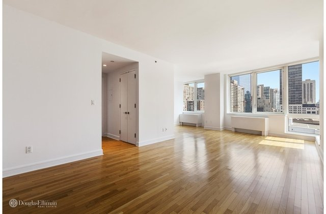 1 Bedroom, Lincoln Square Rental in NYC for $4,800 - Photo 2