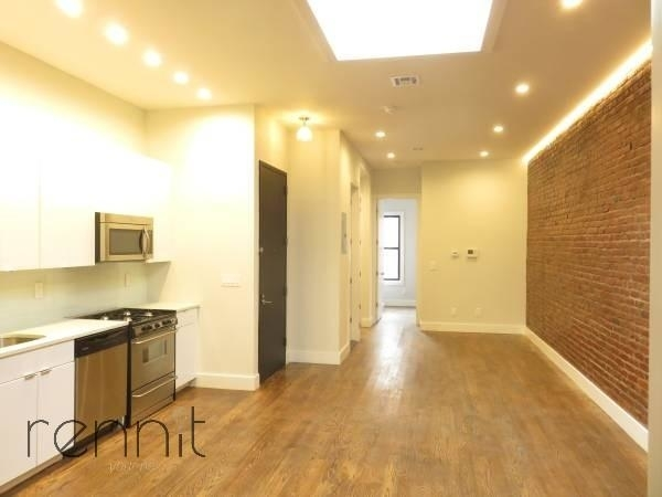 4 Bedrooms, Ridgewood Rental in NYC for $3,800 - Photo 2