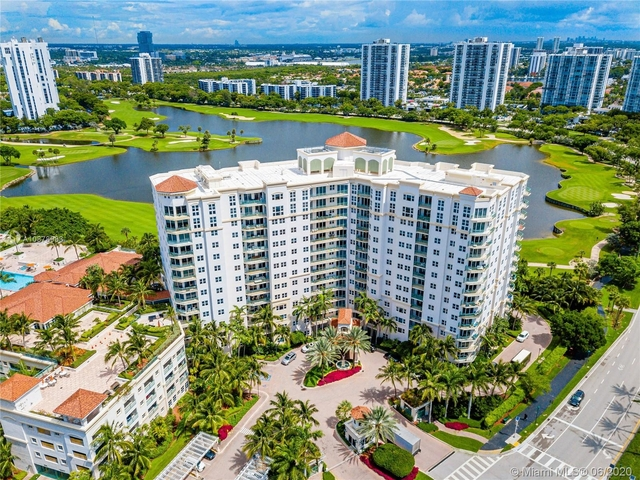 2 Bedrooms, Biscayne Yacht & Country Club Rental in Miami, FL for $2,490 - Photo 2