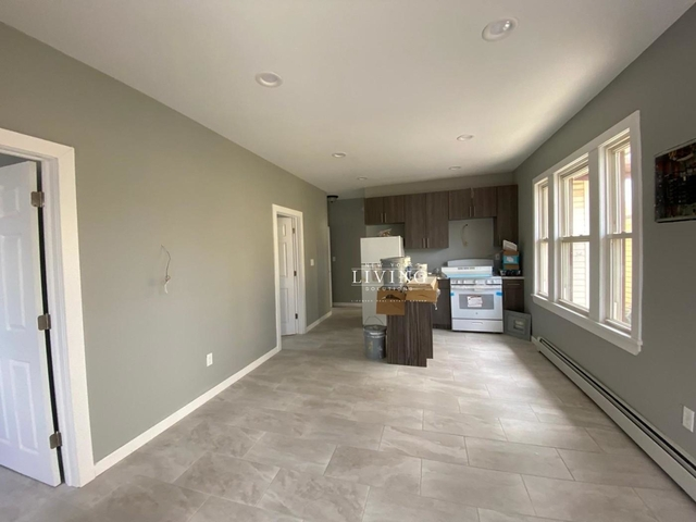 3 Bedrooms, Arverne Rental in NYC for $2,523 - Photo 2