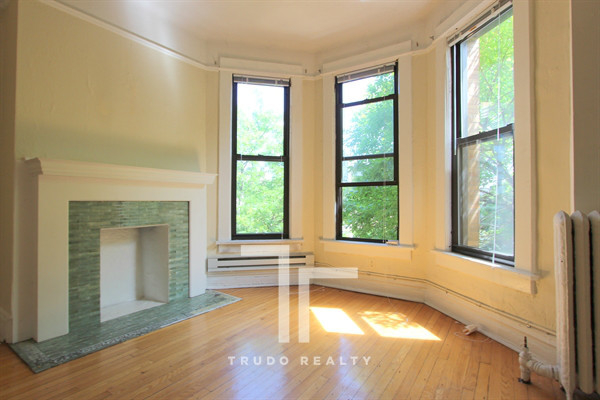 2 Bedrooms, Lincoln Park Rental in Chicago, IL for $1,830 - Photo 1
