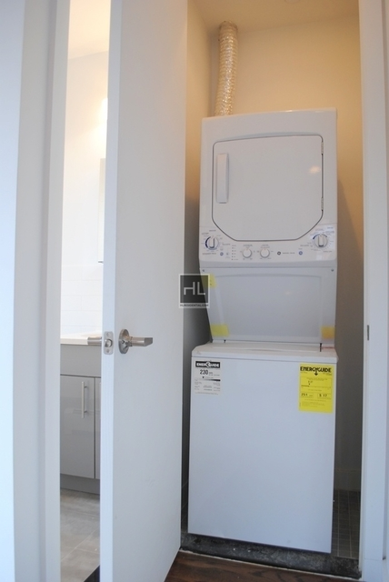 1 Bedroom, Bedford-Stuyvesant Rental in NYC for $2,900 - Photo 2
