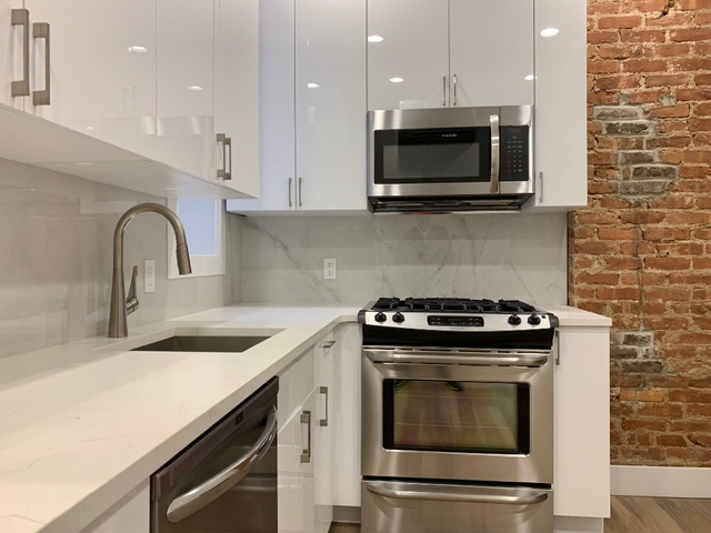 2 Bedrooms, Astoria Rental in NYC for $2,925 - Photo 2