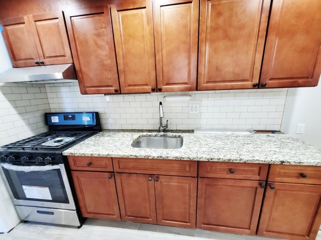 2 Bedrooms, Ditmars Rental in NYC for $2,175 - Photo 1