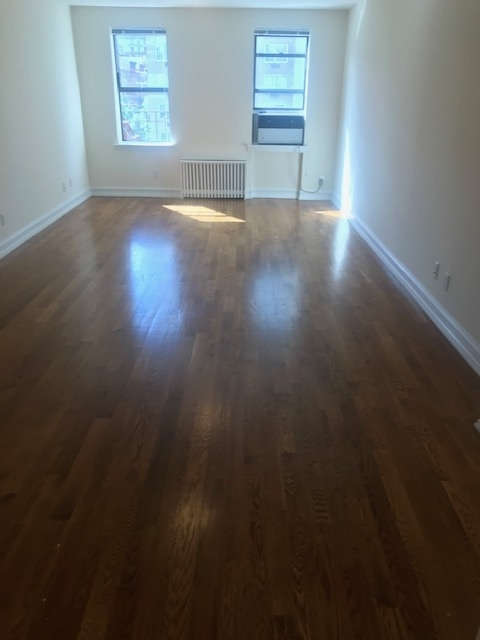 1 Bedroom, Yorkville Rental in NYC for $2,890 - Photo 2