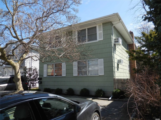 2 Bedrooms, Manorhaven Rental in Long Island, NY for $2,650 - Photo 1