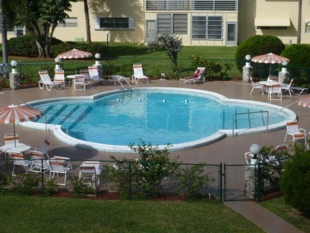2 Bedrooms, Kingston Heights Rental in Miami, FL for $1,200 - Photo 2