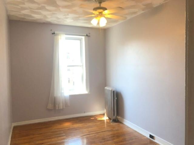3 Bedrooms, Astoria Rental in NYC for $2,999 - Photo 2
